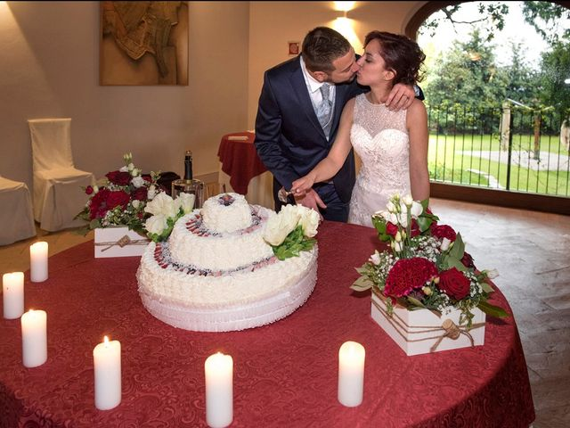 Il matrimonio di Massimiliano e Sara a Carnago, Varese 51