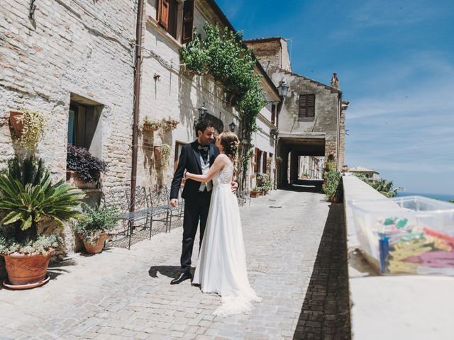 Il matrimonio di Davide e Debora a Altidona, Fermo 36