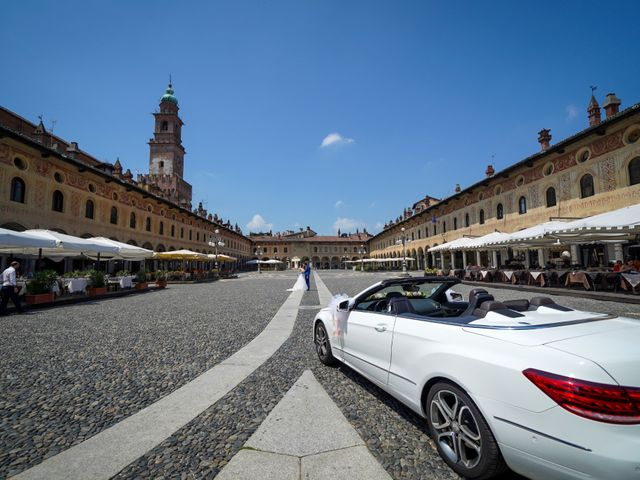 Il matrimonio di Tindaro e Elena a Vigevano, Pavia 26