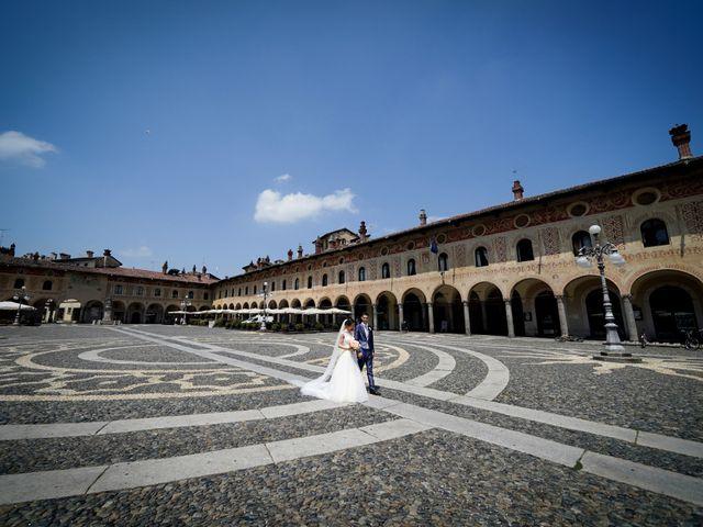 Il matrimonio di Tindaro e Elena a Vigevano, Pavia 30