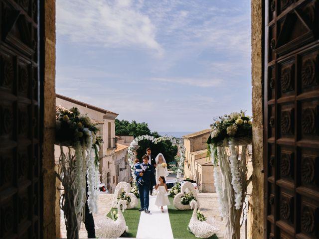 Il matrimonio di Lilo e Eleonora a Licata, Agrigento 12