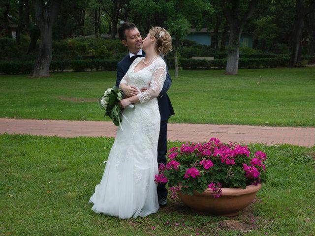 Il matrimonio di Claudio e Biagina a San Vincenzo, Livorno 18