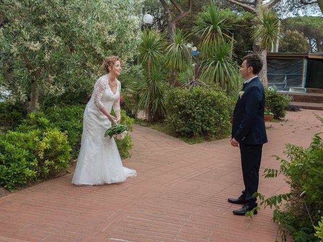 Il matrimonio di Claudio e Biagina a San Vincenzo, Livorno 24