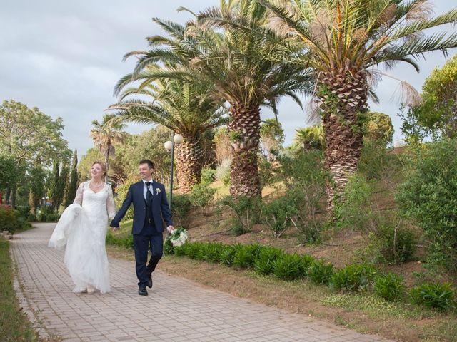 Il matrimonio di Claudio e Biagina a San Vincenzo, Livorno 37