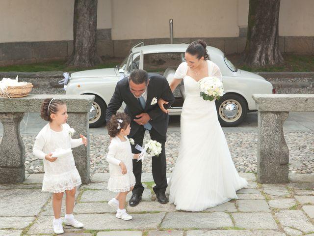 Il matrimonio di Mirko e Romina a Inverigo, Como 7