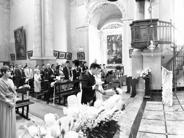 Il matrimonio di Mirko e Romina a Inverigo, Como 9