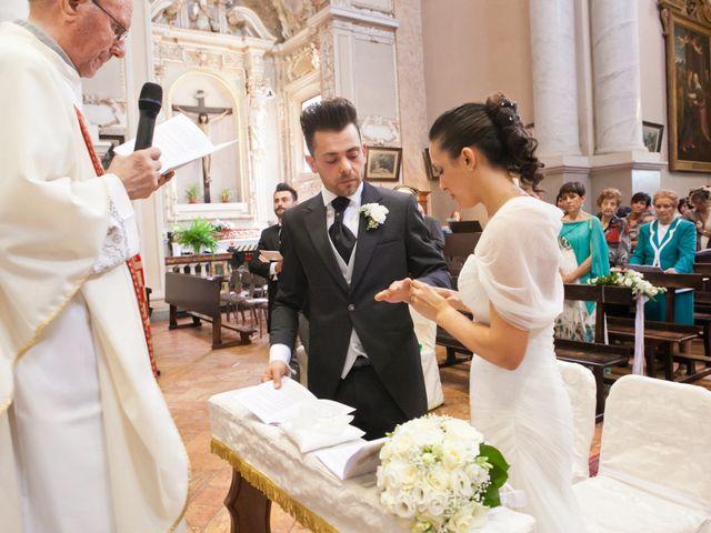 Il matrimonio di Mirko e Romina a Inverigo, Como 11
