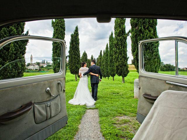 Il matrimonio di Mirko e Romina a Inverigo, Como 18