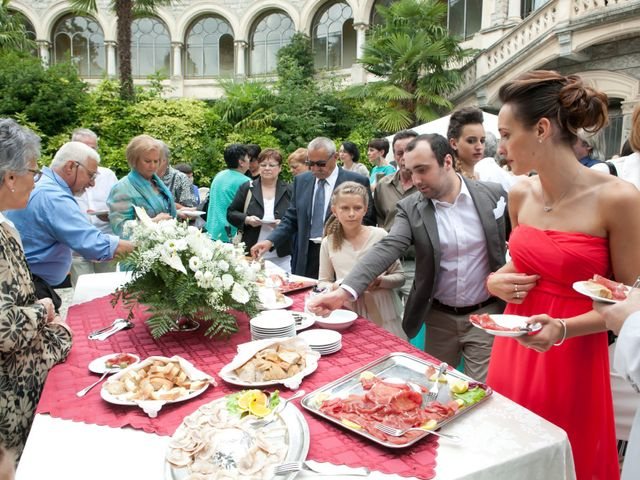 Il matrimonio di Mirko e Romina a Inverigo, Como 27