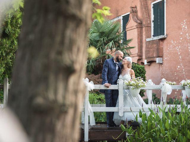 Il matrimonio di Matteo e Consuelo a Cavarzere, Venezia 23