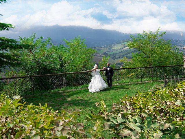 Il matrimonio di Sara e Francesca a Fermo, Fermo 24