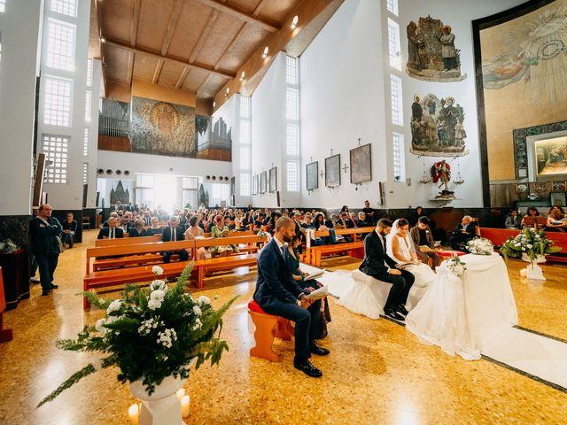 Il matrimonio di Mario e Maria Chiara a Foggia, Foggia 30