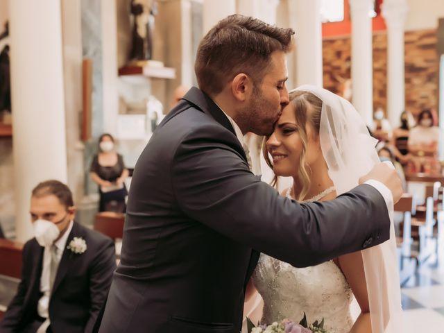 Il matrimonio di Miriam e Agostino a Pozzuoli, Napoli 32