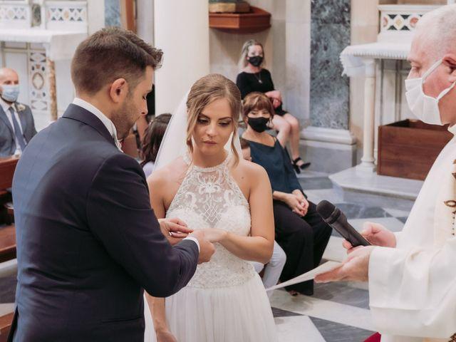 Il matrimonio di Miriam e Agostino a Pozzuoli, Napoli 34