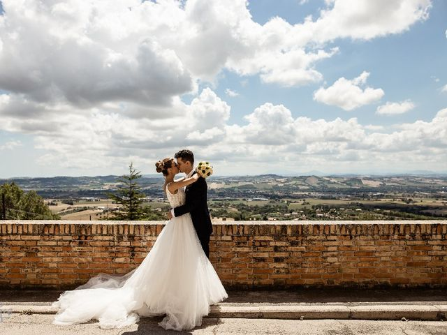 Il matrimonio di Matteo  e Milena  a Montecosaro, Macerata 1