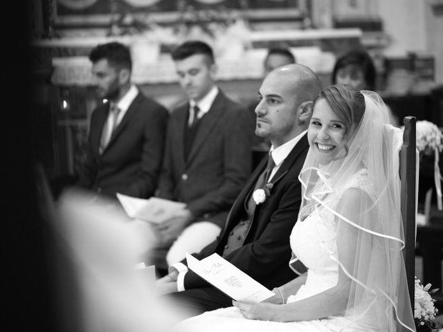 Il matrimonio di Matteo e Elisa a Rogno, Bergamo 17