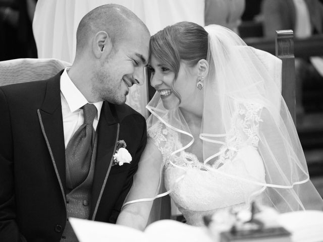 Il matrimonio di Matteo e Elisa a Rogno, Bergamo 21