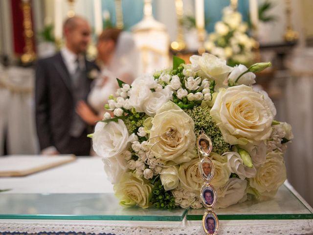 Il matrimonio di Matteo e Elisa a Rogno, Bergamo 22