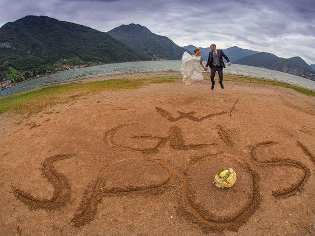Il matrimonio di Matteo e Elisa a Rogno, Bergamo 25