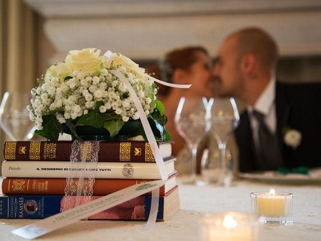 Il matrimonio di Matteo e Elisa a Rogno, Bergamo 33