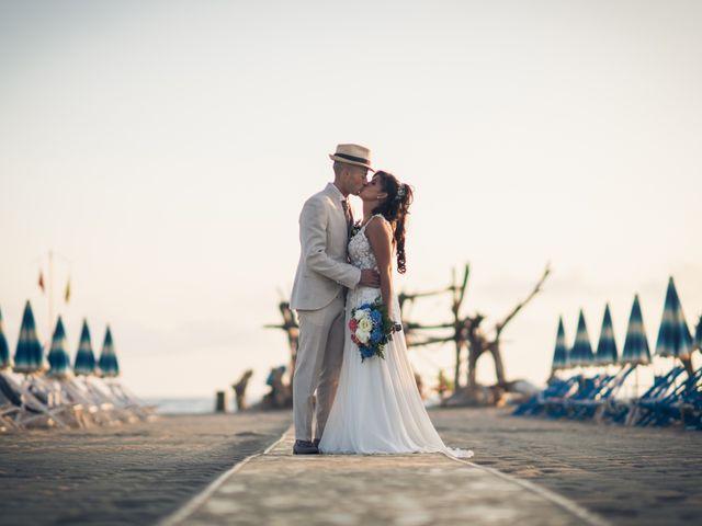 Il matrimonio di Erika e Nicola a Viareggio, Lucca 6