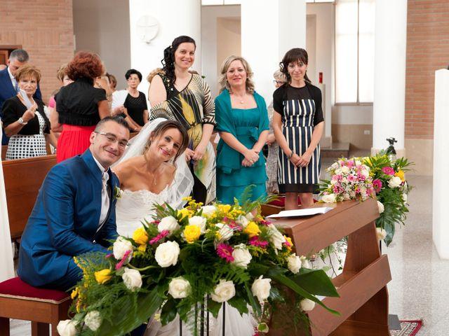 Il matrimonio di Luca e Fabrizia a Sulmona, L'Aquila 21