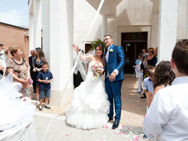 Il matrimonio di Luca e Fabrizia a Sulmona, L'Aquila 25