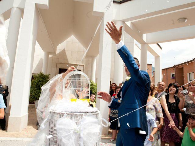 Il matrimonio di Luca e Fabrizia a Sulmona, L'Aquila 26