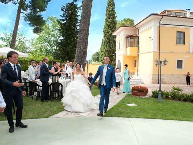 Il matrimonio di Luca e Fabrizia a Sulmona, L'Aquila 38
