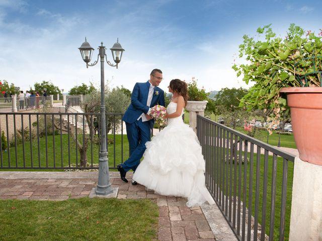 Il matrimonio di Luca e Fabrizia a Sulmona, L'Aquila 42