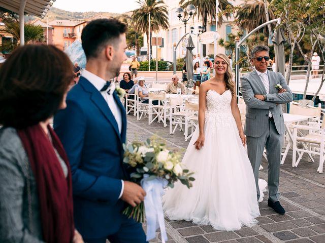 Il matrimonio di Jonathan e Vittoria a Spotorno, Savona 16