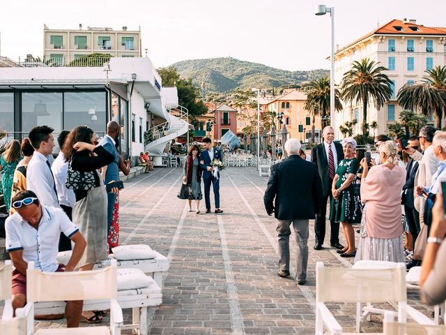 Il matrimonio di Jonathan e Vittoria a Spotorno, Savona 17