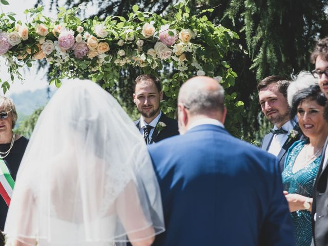 Il matrimonio di Mattia e Sara a Erba, Como 21