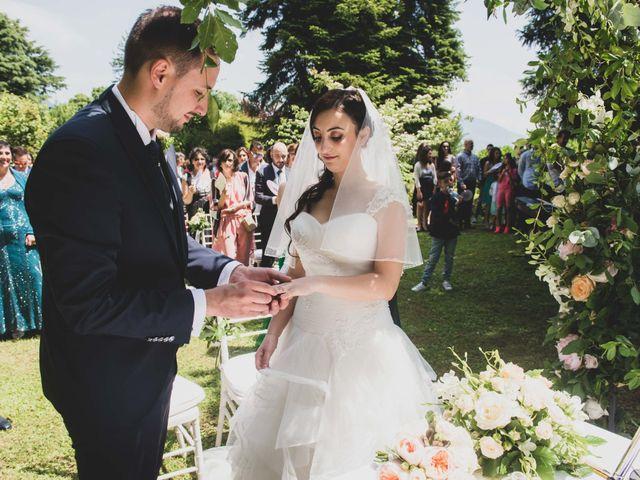 Il matrimonio di Mattia e Sara a Erba, Como 28