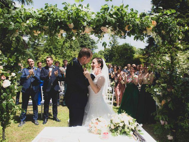 Il matrimonio di Mattia e Sara a Erba, Como 31