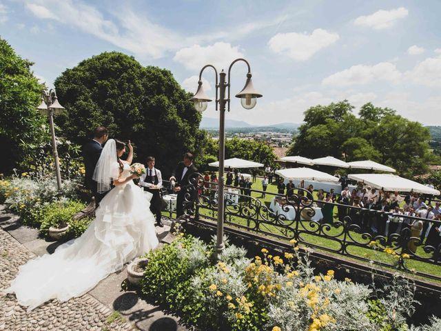 Il matrimonio di Mattia e Sara a Erba, Como 36