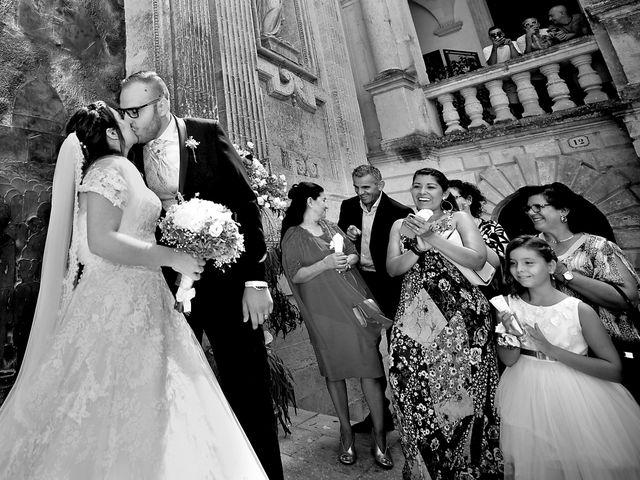 Il matrimonio di Davide e Daisy a Lecce, Lecce 23