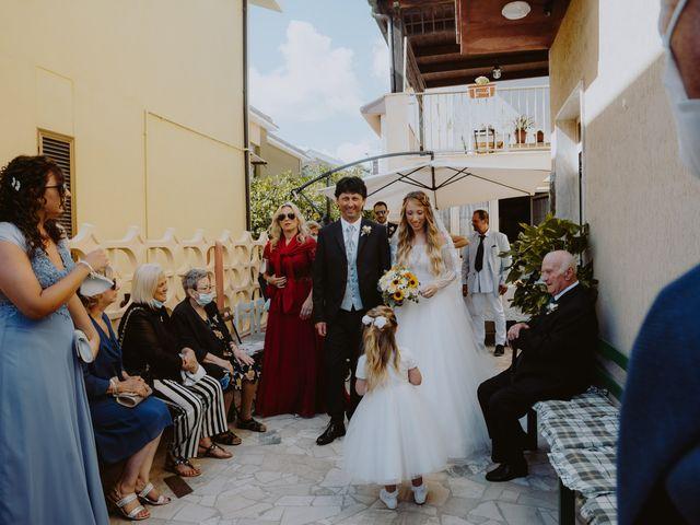 Il matrimonio di Luigi e Maria a Città Sant'Angelo, Pescara 21