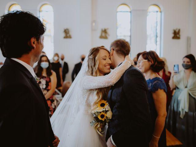 Il matrimonio di Luigi e Maria a Città Sant'Angelo, Pescara 76