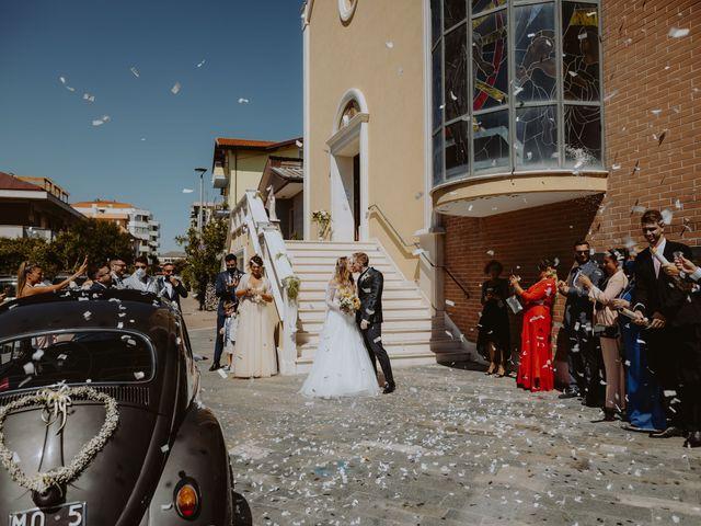 Il matrimonio di Luigi e Maria a Città Sant'Angelo, Pescara 81
