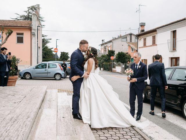 Il matrimonio di Mirco e Martina a Mondolfo, Pesaro - Urbino 47
