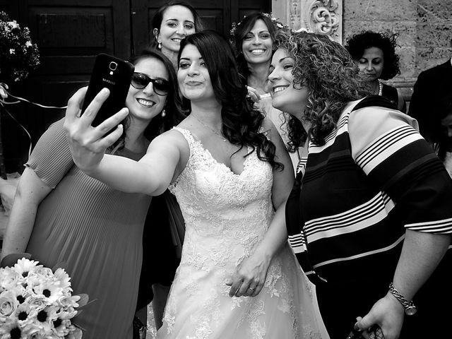 Il matrimonio di Costantino e Margherita a Salice Salentino, Lecce 26
