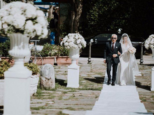 Il matrimonio di Silvio e Santa a Bacoli, Napoli 17