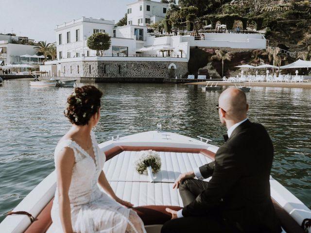Il matrimonio di Silvio e Santa a Bacoli, Napoli 32