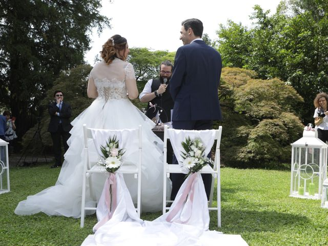 Il matrimonio di Daniele e Valentina a Erba, Como 22