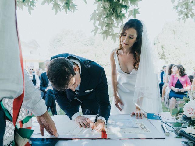 Il matrimonio di Marco e Valentina a Rovellasca, Como 63