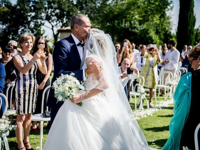 Il matrimonio di Diego e Serena a Fossombrone, Pesaro - Urbino 16