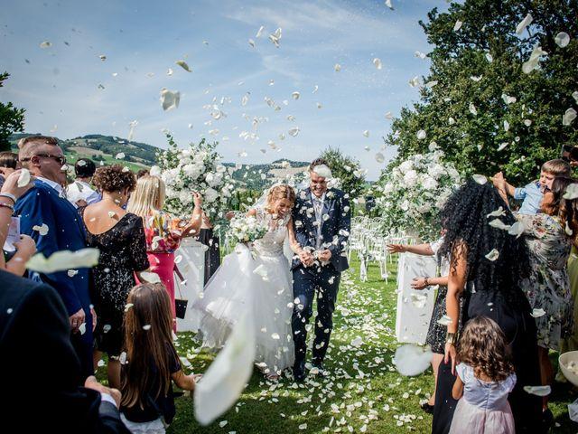 Il matrimonio di Diego e Serena a Fossombrone, Pesaro - Urbino 24