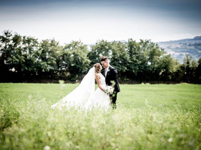 Il matrimonio di Diego e Serena a Fossombrone, Pesaro - Urbino 36