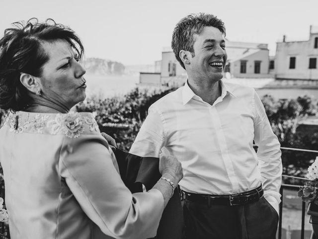 Il matrimonio di Gennaro e Anastasia a Procida, Napoli 13